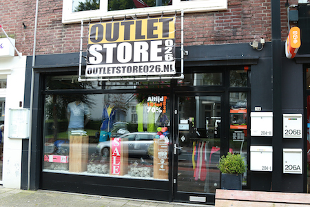 Outlet store 026